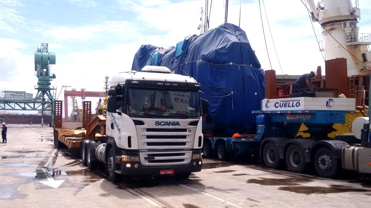 Movimentação de peças do navio para o pátio