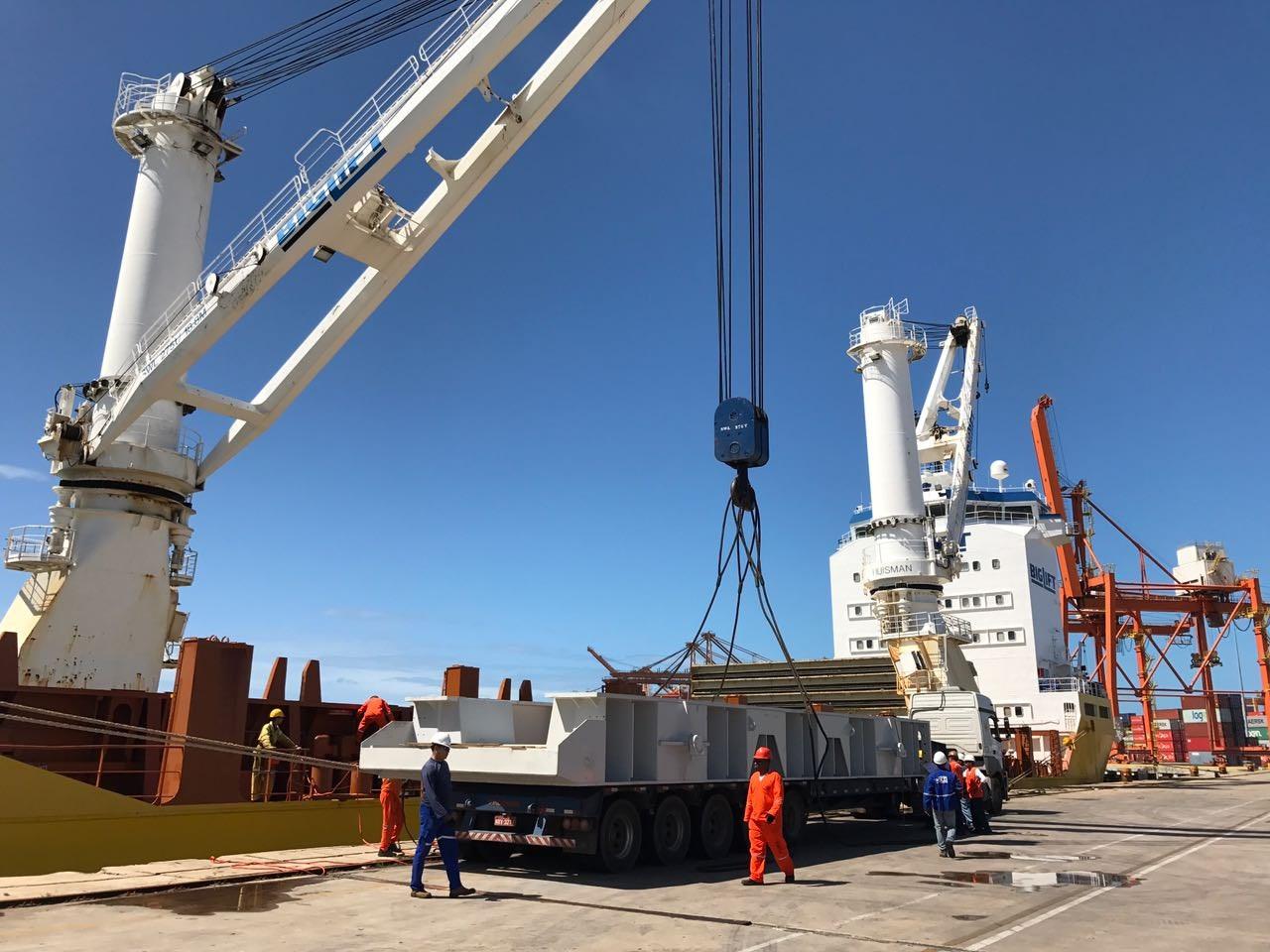 Operação Portuária - Porto Suape - PE